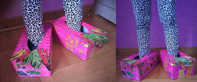chaussures de monstre en carton, déguisement DIY avec boite de mouchoir papier
